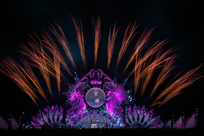 La foto muestra el debut de los fuegos artificiales creativos de Liuyang en el Festival de Música ISY celebrado en Sanya, provincia de Hainan, en el sur de China. (Fotografía del Departamento de Publicidad del Comité Municipal de Liuyang del Partido Comunista de China) (PRNewsfoto/Xinhua Silk Road)