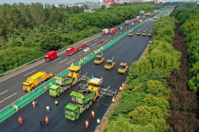 XCMG's Unmanned Road Construction Fleet, the Largest Scale Globally, Completes National Highway Maintenance Project.
